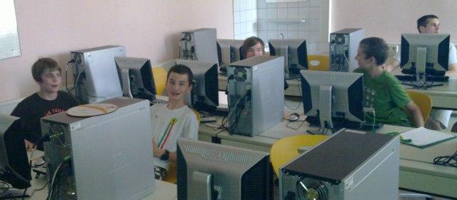 using ThePythonGameBook with happy students in BG rechte Kremszeile, Krems, Austria